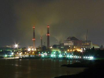 Завод ночью