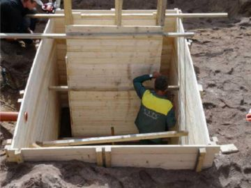 постройка опалубки для канализации