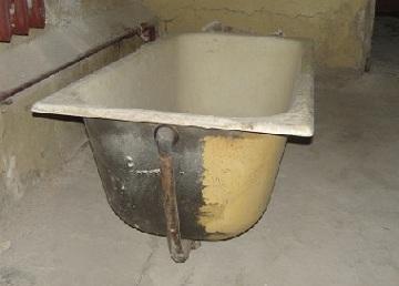 Выыоз чугунной ванны в СПБ