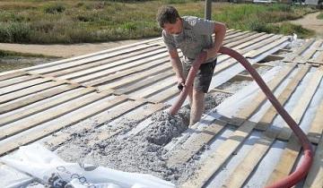 Как утеплить пол в деревянном доме с использованием экологичных материалов