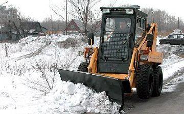 Выбор трактора для уборки территории от снега и мусора