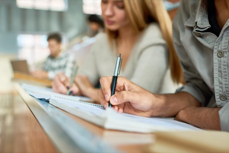Может ли высшее образование помочь устроиться на высокооплачиваемую работу